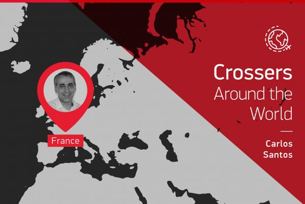 "The testimony of this ""Crossers around the world"" is given by Carlos Santos who is in France"